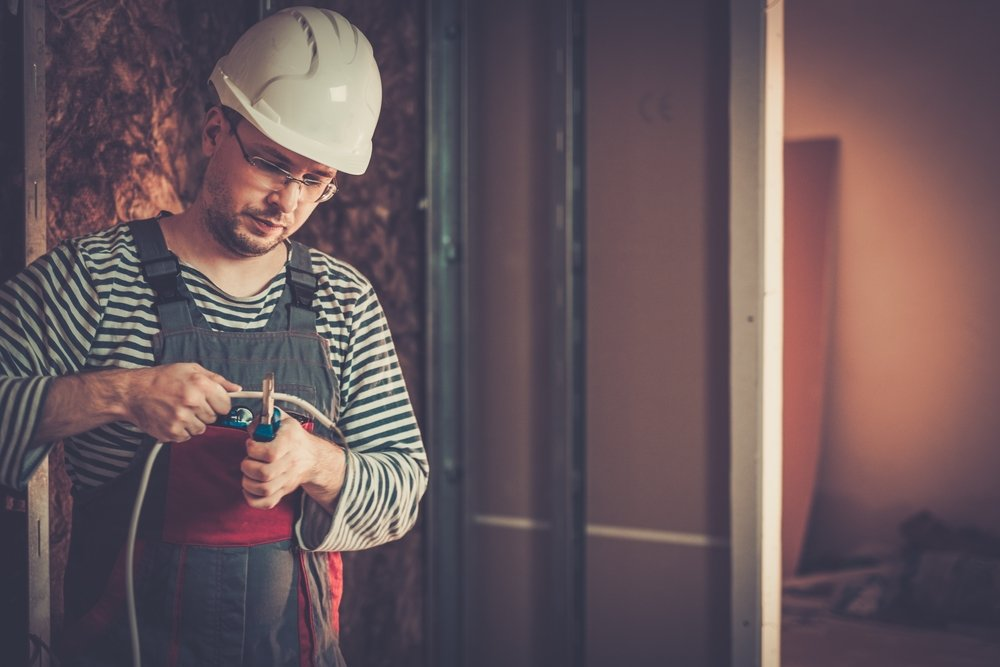 The Advantages on Becoming an Electrician